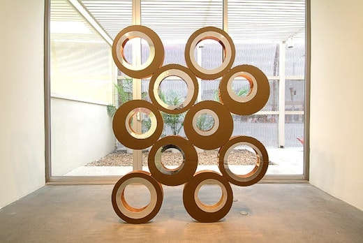 This is an artwork titled Circle Sculpture by artist Alice Könitz made in 2004