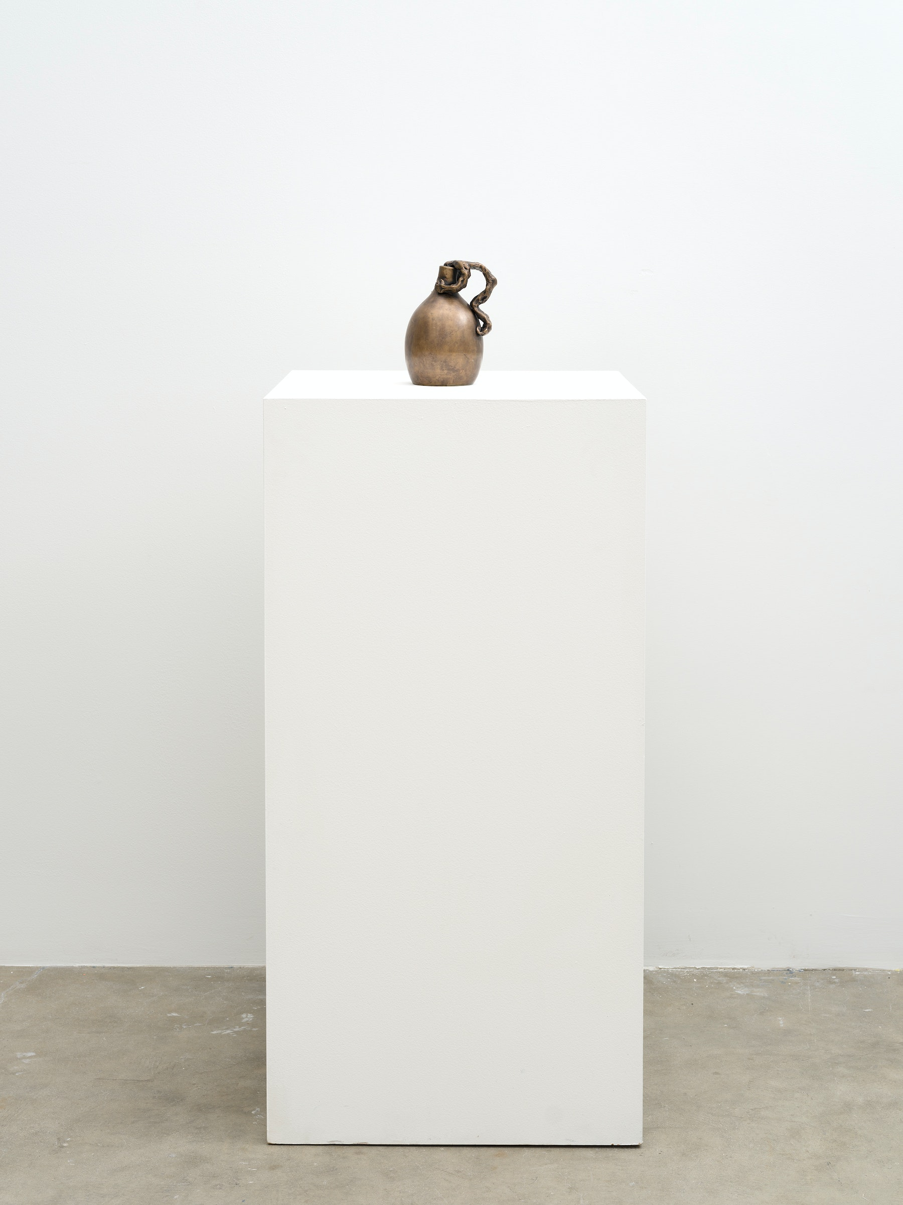 """Stanya Kahn """"Untitled 2021,"""" 2021 Bronze 7"""" x 5"""" x 4 ¹⁄₄"""" [HxWxD] (17.78 x 12.7 x 10.79 cm) Edition 1 of 3, 2 AP Inventory #KAH429.01 Courtesy of the artist and Vielmetter Los Angeles Photo credit: Jeff McLane"""