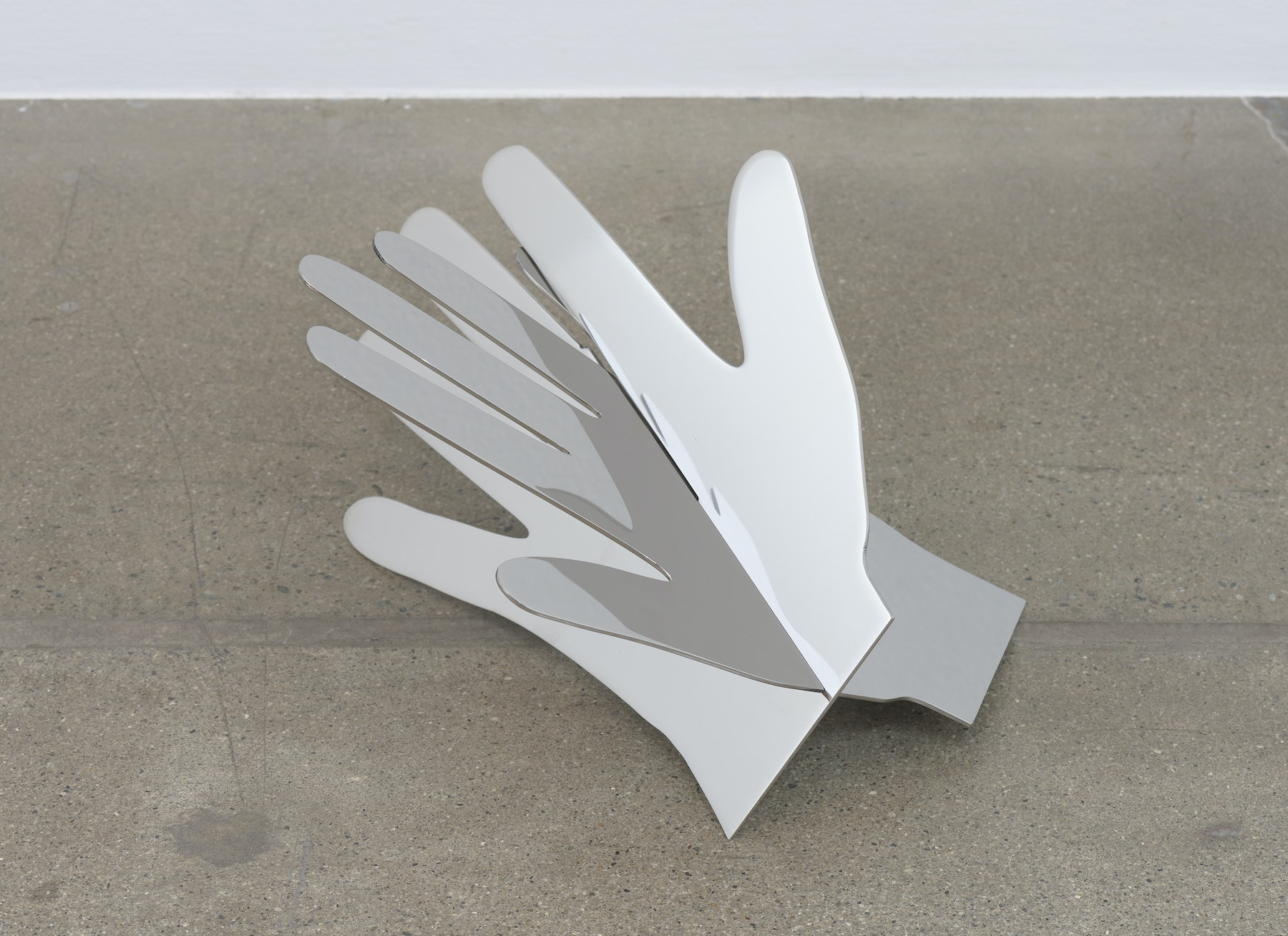 "Shana Lutker ""Hands(G),"" 2017 Stainless steel 14 x 9 x 8"" [HxWxD] (35.56 x 22.86 x 20.32 cm) Inventory #LUT296 Courtesy of the artist and Vielmetter Los Angeles Photo credit: Robert Wedemeyer"