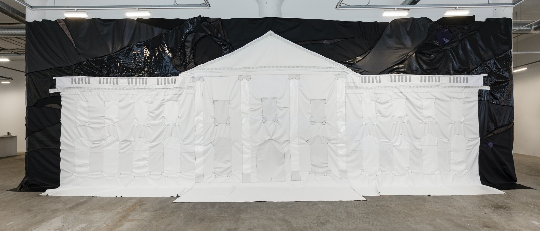 "Rodney McMillian ""White House II,"" 2018-2020 Vinyl and thread 156 x 528 x 36"" [HxWxD] (396.24 x 1,341.12 x 91.44 cm) Inventory #MCR407 Courtesy of the artist and Vielmetter Los Angeles Photo credit: Jeff Mclane"