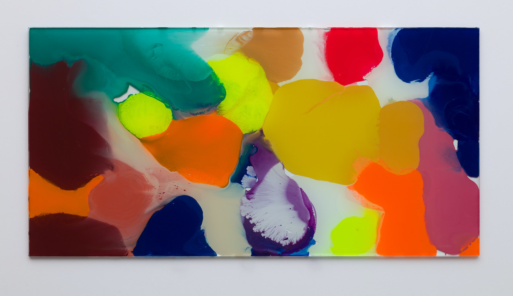 """Yunhee Min """"Up Close in Distance Study (variation study a3),"""" 2018 Enamel on laminated glass 18.5 x 36.5"""" [HxW] (46.99 x 92.71 cm) Inventory #MIN337 Courtesy of the artist and Vielmetter Los Angeles Photo credit: Brica Wilcox"""