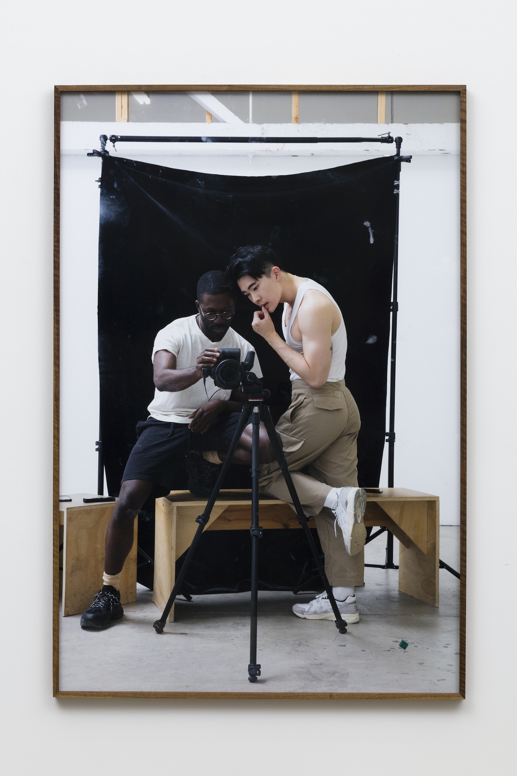 """Paul Mpagi Sepuya """"A conversation around pictures (0X5A5079),"""" 2019 Archival pigment print 75 x 50"""" [HxW] (190.5 x 127 cm) Edition of 5, 2 AP Inventory #SEP646 Courtesy of the artist and Vielmetter Los Angeles Photo credit: Jeff McLane"""
