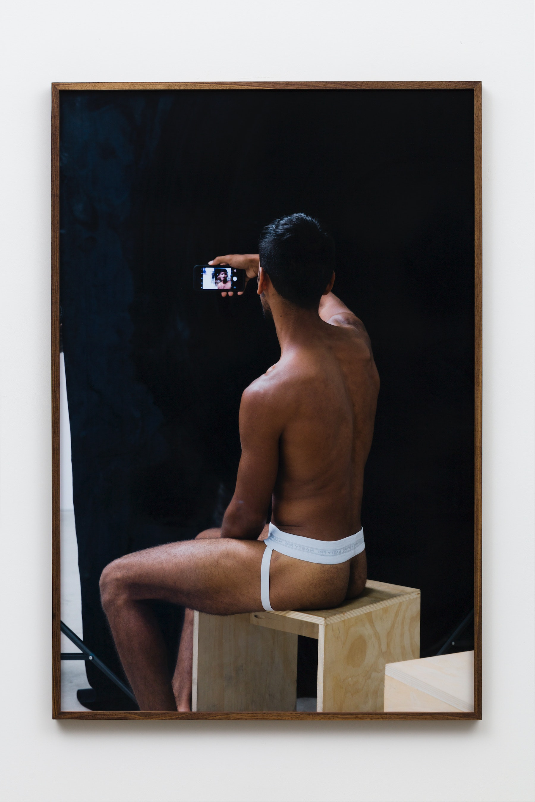 """Paul Mpagi Sepuya """"Model Study (0X5A4029),"""" 2017 Archival pigment print 60 x 40"""" [HxW] (152.4 x 101.6 cm) Edition of 5, 2 AP Inventory #SEP650 Courtesy of the artist and Vielmetter Los Angeles Photo credit: Jeff McLane"""