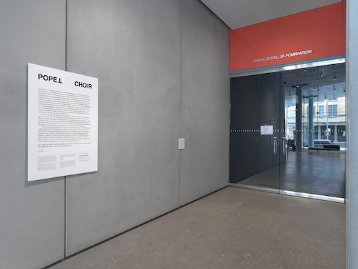 Pope.L, Choir, 2019 (installation view, Pope.L: Choir, Whitney Museum of American Art, New York, October 10, 2019–February 2020).